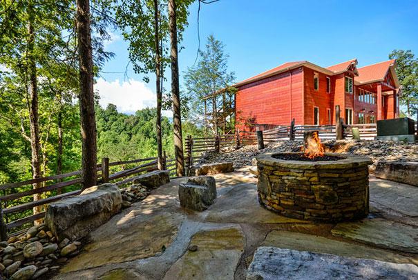 Gatlinburg Mansions & Luxury Cabin Rentals | Smoky Mountain